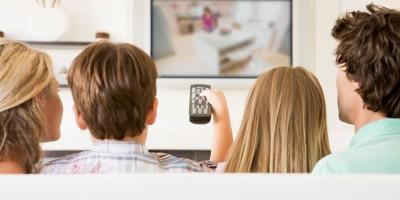 watch-tv-with-leelbox-Digital-Converter-Box-at-living-room